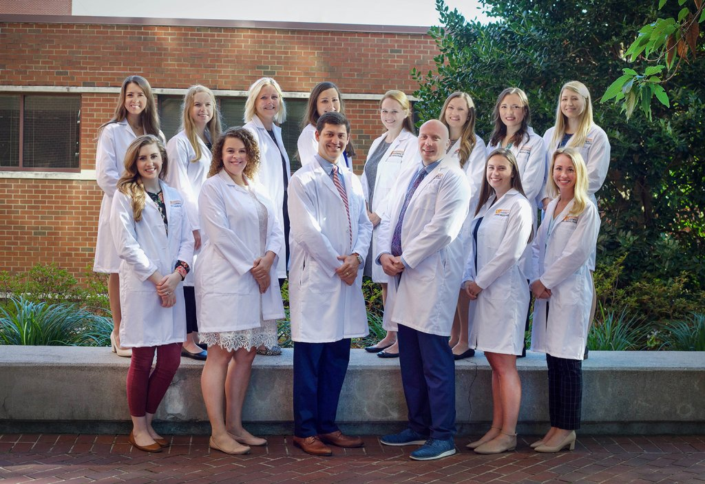 group of pharmacy residents standing in front of building at UT Medical Center in Knoxville, TN